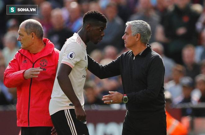 Quá phẫn nộ, CĐV Man Utd đòi sa thải Mourinho ngay và luôn - Ảnh 1.