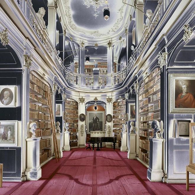 Nhiếp ảnh gia người Ý thực hiện cuộc hành trình đi tìm thư viện đẹp nhất thế giới, và đây là những gì anh ấy ghi lại được - Ảnh 15.