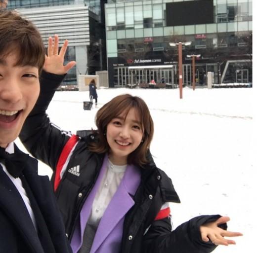 Thư Ký Kim Sao Thế? được mùa hẹn hò: Sau Park Park và nam phụ, lại thêm diễn viên xác nhận chuyện tình cảm - Ảnh 2.