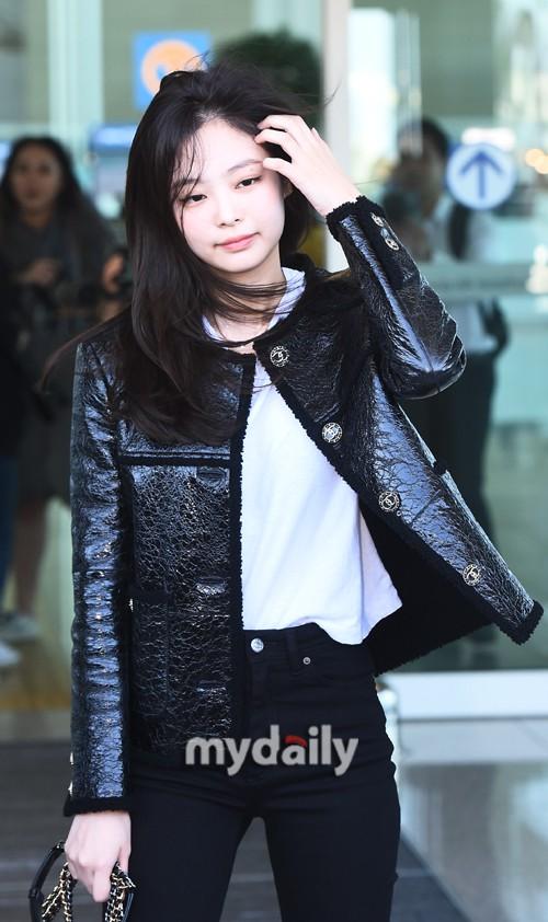 Đẳng cấp như Jennie (Black Pink) ra sân bay: Đơn giản nhưng vẫn đẹp hoàn hảo, sang chảnh như dự sự kiện - Ảnh 8.