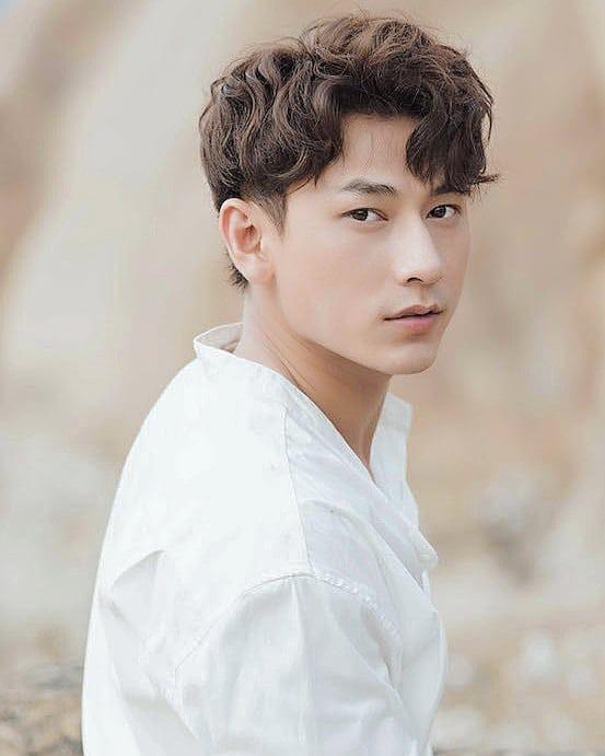 Isaac là nghệ sĩ Việt Nam duy nhất lọt Top 100 sao nam châu Á khiến trái tim công chúng loạn nhịp - Ảnh 3.