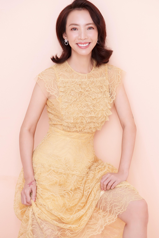 Thập Tam Muội Thu Trang bất ngờ nữ tính, trở thành Hoàng hậu trong phim cung đấu xuyên không - Ảnh 3.