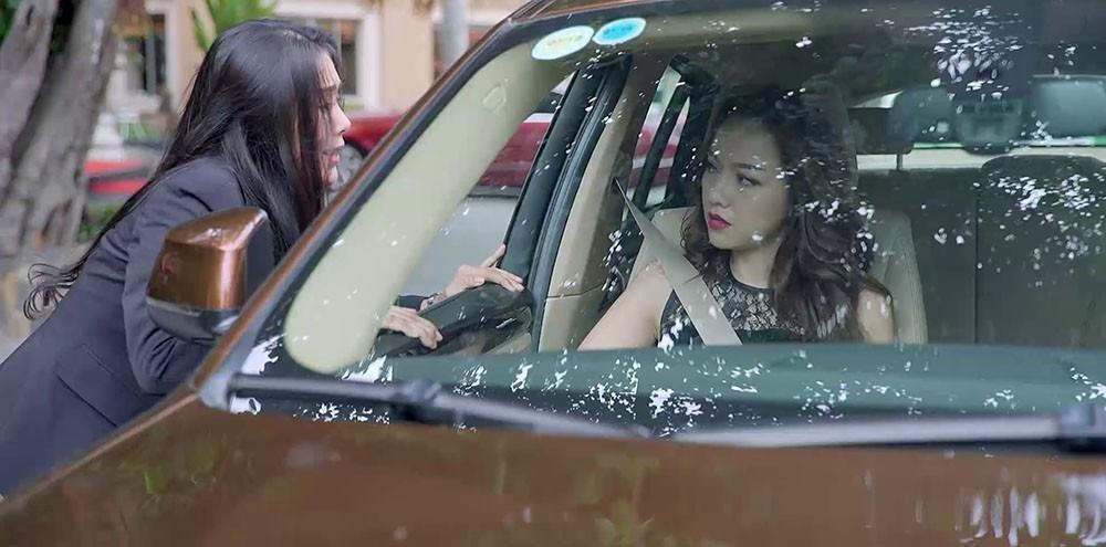 Gạo Nếp Gạo Tẻ: Nhìn Công thẳng tay tát vợ, nhân tình ngồi trên ô tô sững sờ đến cạn lời - Ảnh 3.