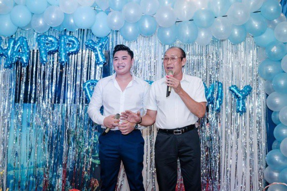 Lê Giang giữ khoảng cách với Duy Phương trong lần đầu đụng độ sau lời tố chồng cũ bạo hành trên sóng truyền hình - Ảnh 2.