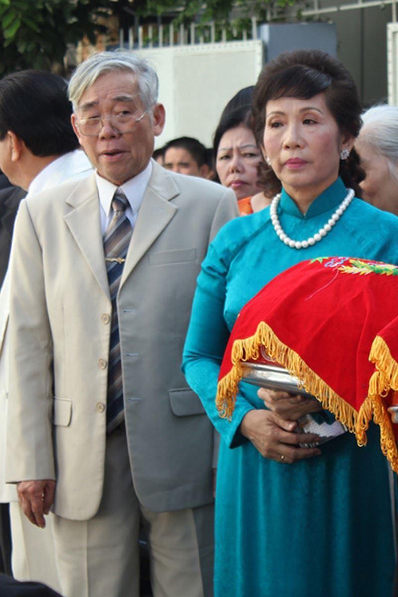 Những bà mẹ chồng quyền lực, sở hữu khối tài sản kếch xù của dàn mỹ nhân nổi tiếng Vbiz - Ảnh 8.