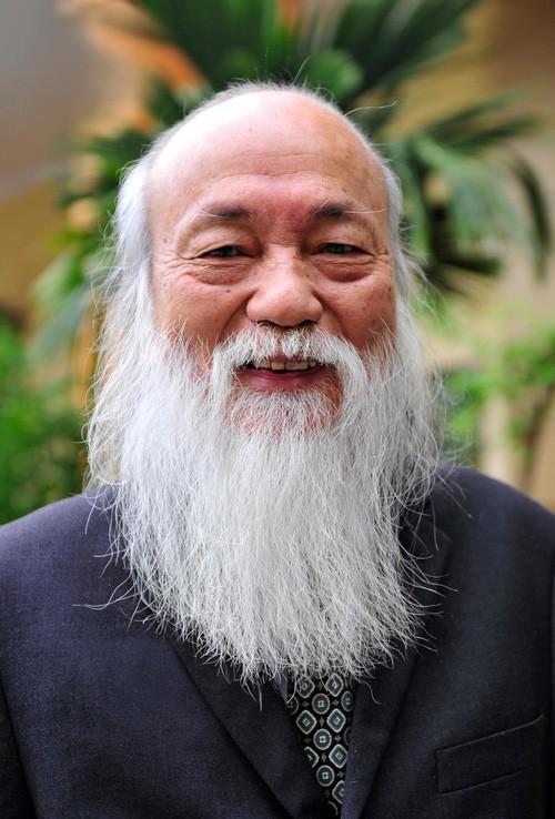 Sau hơn 3 năm, bài phát biểu đầy cảm động của thầy Văn Như Cương trong lễ khai giảng lại được dân mạng chia sẻ rầm rộ - Ảnh 1.
