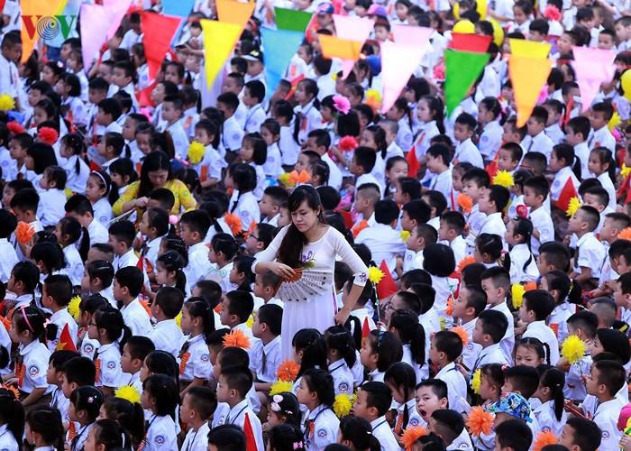 Khai giảng ở ngôi trường có 1.145 học sinh lớp 1, đông nhất Hà Nội - Ảnh 2.