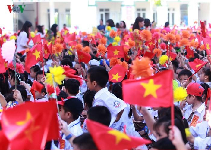 Khai giảng ở ngôi trường có 1.145 học sinh lớp 1, đông nhất Hà Nội - Ảnh 11.