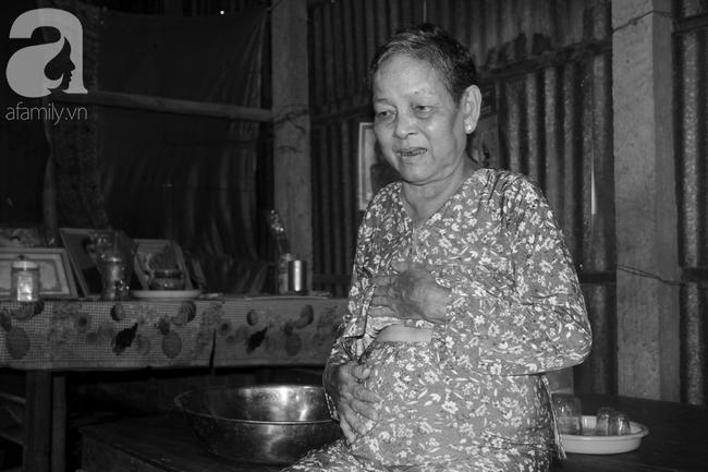 Câu chuyện xúc động về mẹ: 36 năm nuôi con trai lớn tồng ngồng vẫn ngây dại bên mẹ già bệnh tật - Ảnh 13.