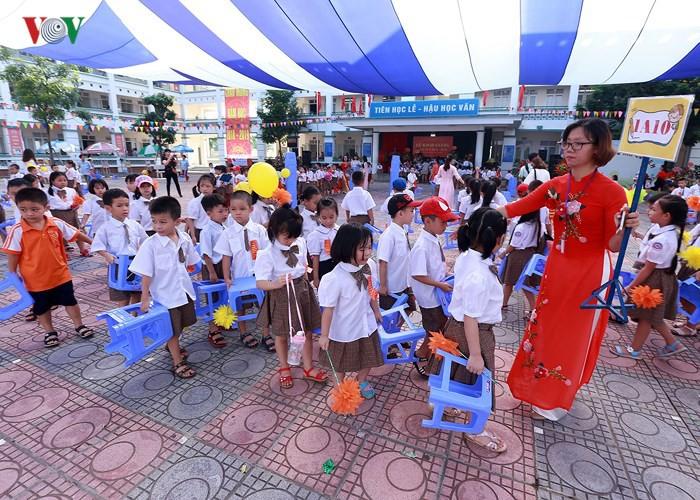 Khai giảng ở ngôi trường có 1.145 học sinh lớp 1, đông nhất Hà Nội - Ảnh 13.