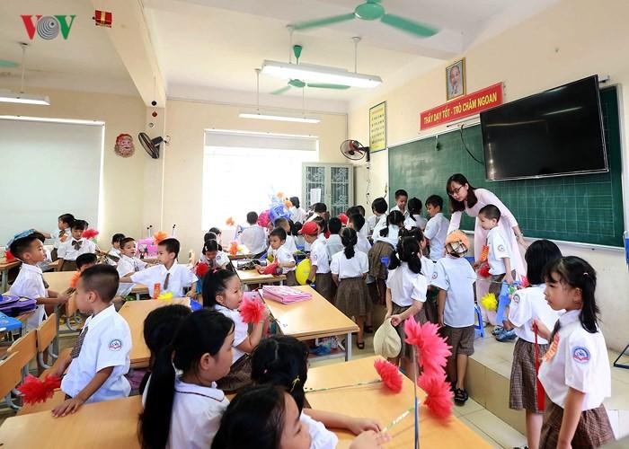 Khai giảng ở ngôi trường có 1.145 học sinh lớp 1, đông nhất Hà Nội - Ảnh 14.