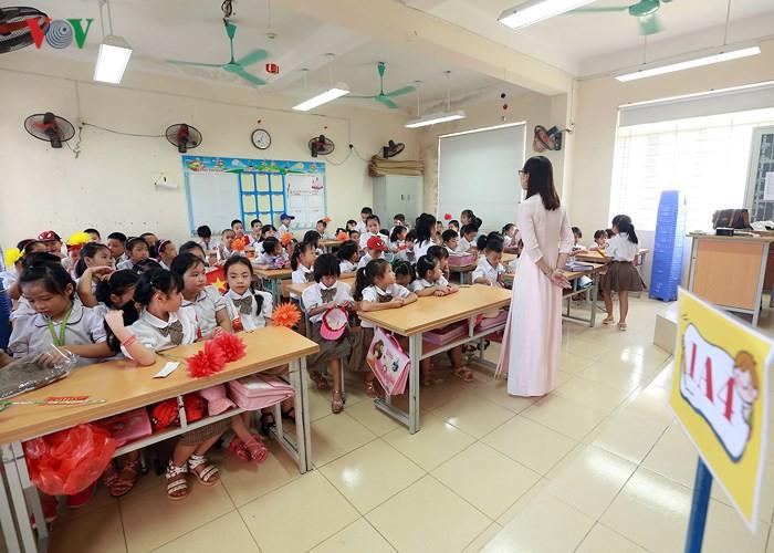 Khai giảng ở ngôi trường có 1.145 học sinh lớp 1, đông nhất Hà Nội - Ảnh 15.