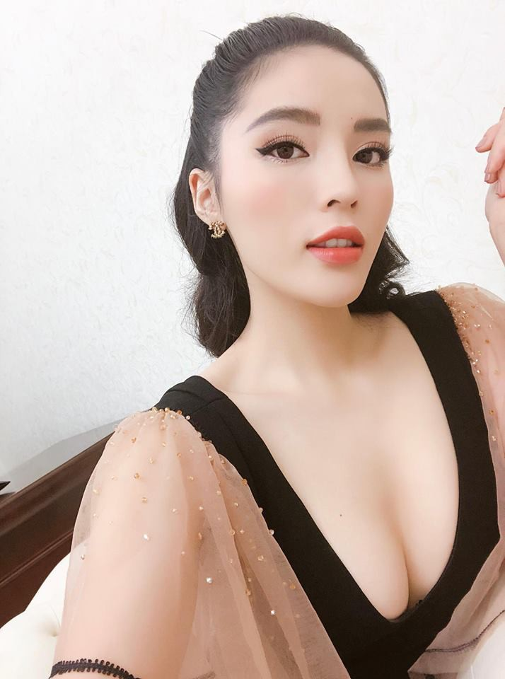 Lâu lắm rồi mới để mái bằng, nhưng Kỳ Duyên lại quê độ so với chính đối thủ ngay tại Siêu mẫu Việt Nam 2018 - Ảnh 4.