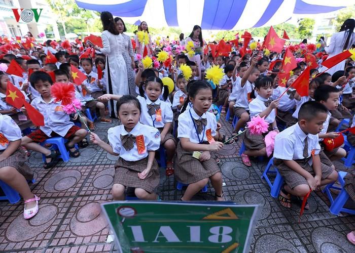 Khai giảng ở ngôi trường có 1.145 học sinh lớp 1, đông nhất Hà Nội - Ảnh 4.