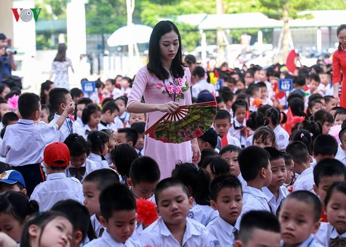 Khai giảng ở ngôi trường có 1.145 học sinh lớp 1, đông nhất Hà Nội - Ảnh 6.