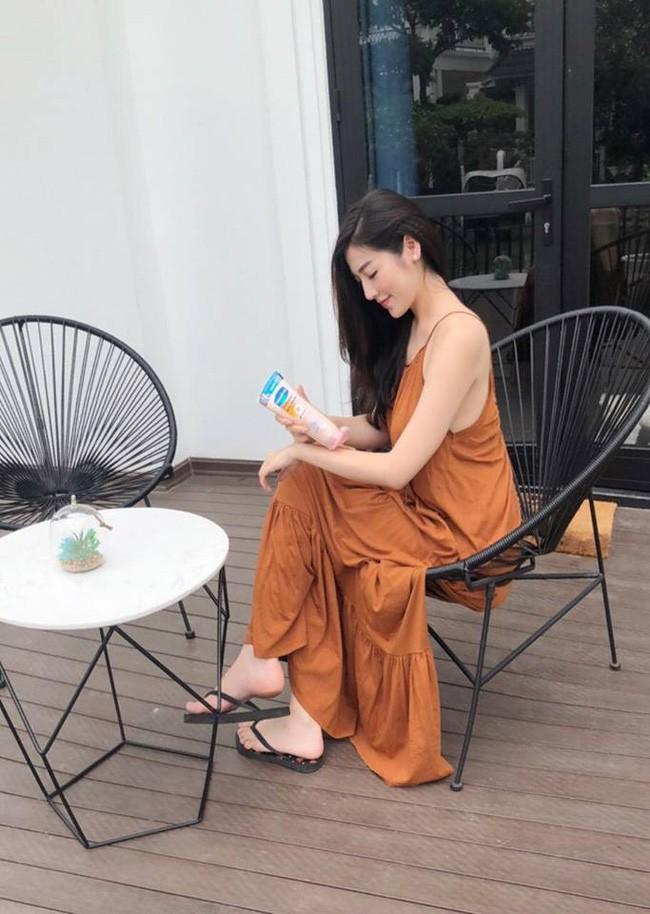 Sau khi kết hôn, Á hậu Tú Anh chỉ chọn đi giày bệt chắc hẳn không phải vì bầu bí mà vì lý do cực kỳ tinh tế này - Ảnh 5.