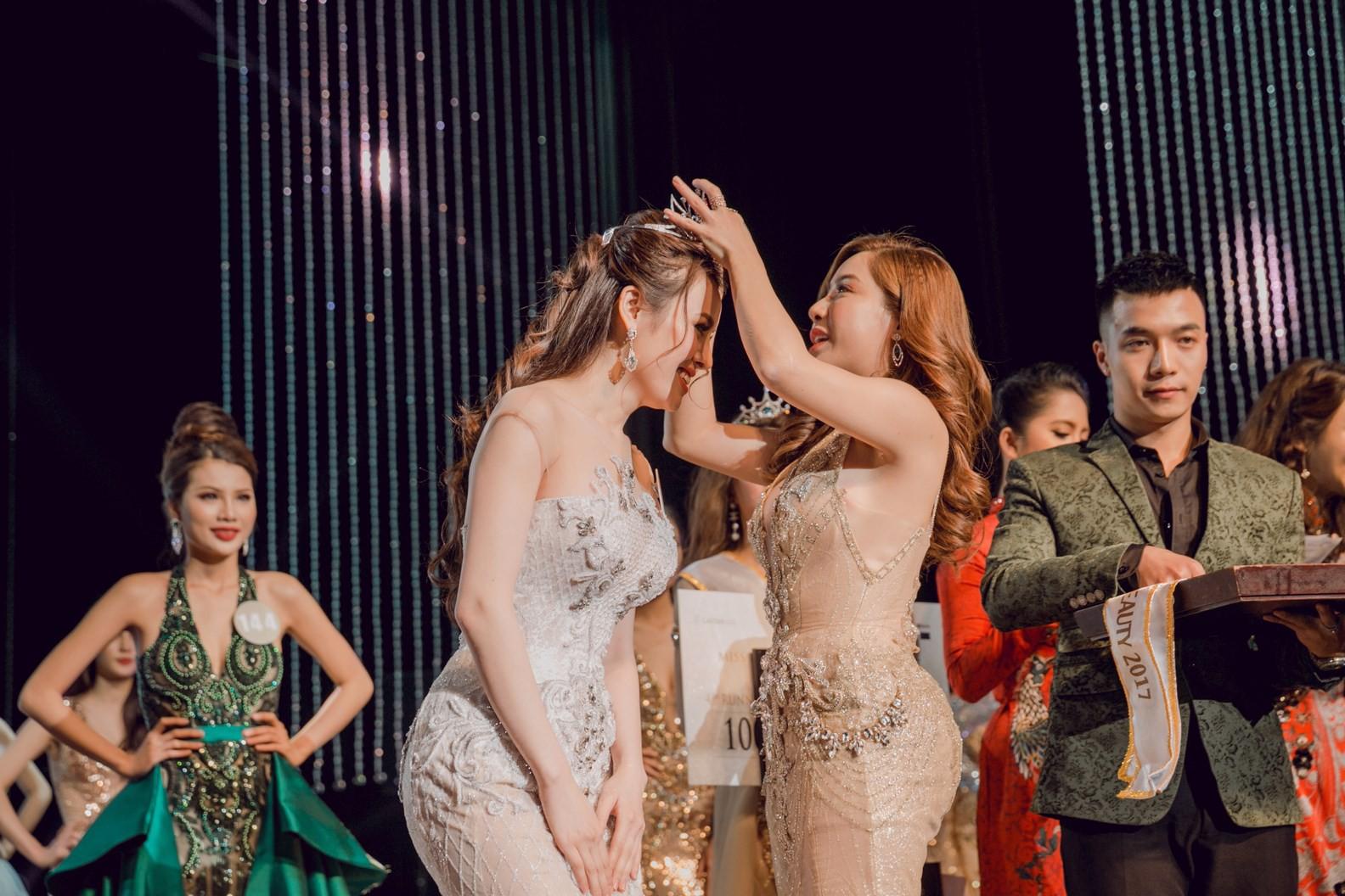 Thư Dung tiếp tục bị tước danh hiệu Hoa hậu Sắc đẹp Hoàn mỹ - Ảnh 1.