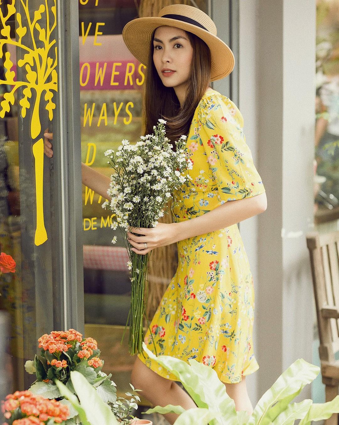 Mỗi lần Hà Tăng diện váy hoa là lại khiến dân mạng xốn xang, mới đăng ảnh chưa đến 1 tiếng mà hơn 11 ngàn người thả tim - Ảnh 3.