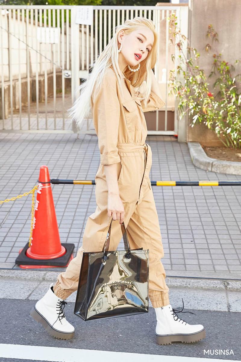 Giới trẻ Hàn khoe street style ấm áp đẹp bá cháy, đảm bảo bạn sẽ chỉ muốn trời nhanh lạnh để diện theo - Ảnh 7.