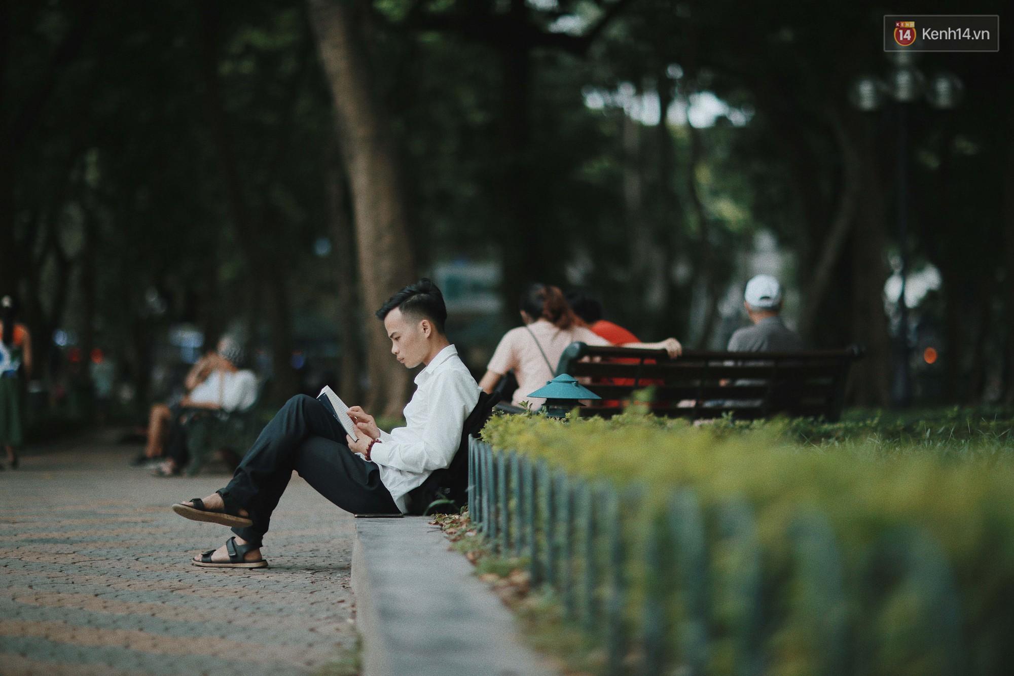 Có một Hà Nội luôn bình yên và khiến người ta sống chậm lại mỗi khi thu về - Ảnh 8.