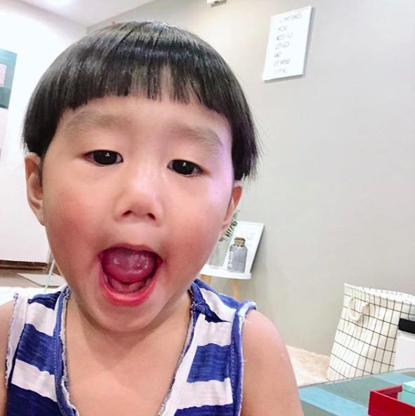 Tan chảy trước loạt biểu cảm cưng không chịu được của Xoài - em bé hot nhất Instagram Việt - Ảnh 15.
