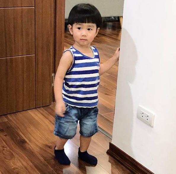 Tan chảy trước loạt biểu cảm cưng không chịu được của Xoài - em bé hot nhất Instagram Việt - Ảnh 17.