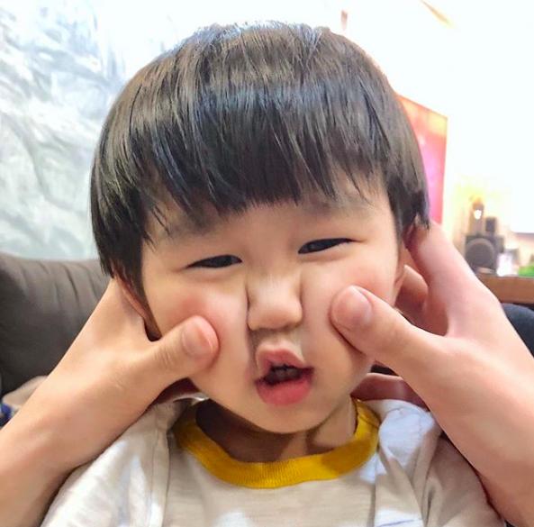 Tan chảy trước loạt biểu cảm cưng không chịu được của Xoài - em bé hot nhất Instagram Việt - Ảnh 20.