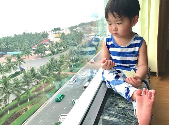 Tan chảy trước loạt biểu cảm cưng không chịu được của Xoài - em bé hot nhất Instagram Việt - Ảnh 42.