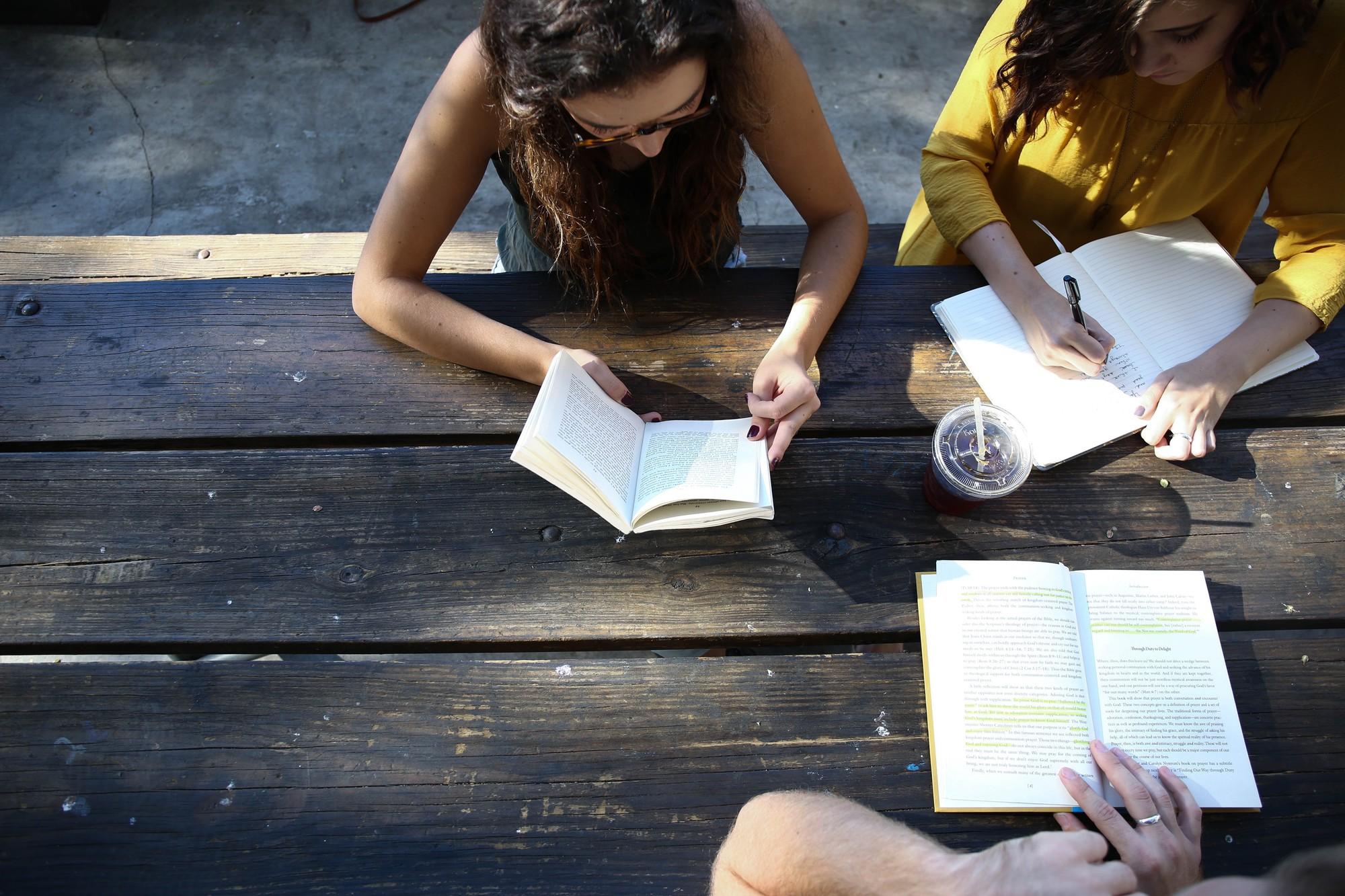Học sinh và sinh viên khác nhau như thế nào? - Ảnh 1.