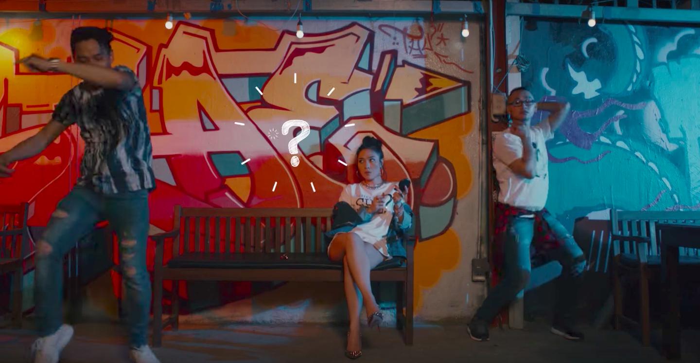Không thể tin được Mỹ Tâm lại lầy lội đến thế này khi nhảy vũ điệu say rượu trong MV mới - Ảnh 4.