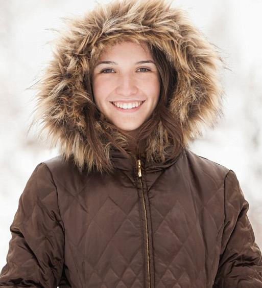 Sự thật tăm tối đằng sau những chiếc áo lông vũ ấm áp mùa đông - Ảnh 1.