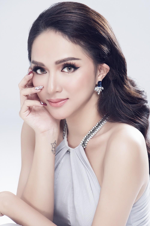 Có đối thủ nặng ký này của Thái Lan, cuộc đua vương miện của Hương Giang tại Hoa hậu Chuyển giới Quốc tế lại càng hấp dẫn! - Ảnh 2.