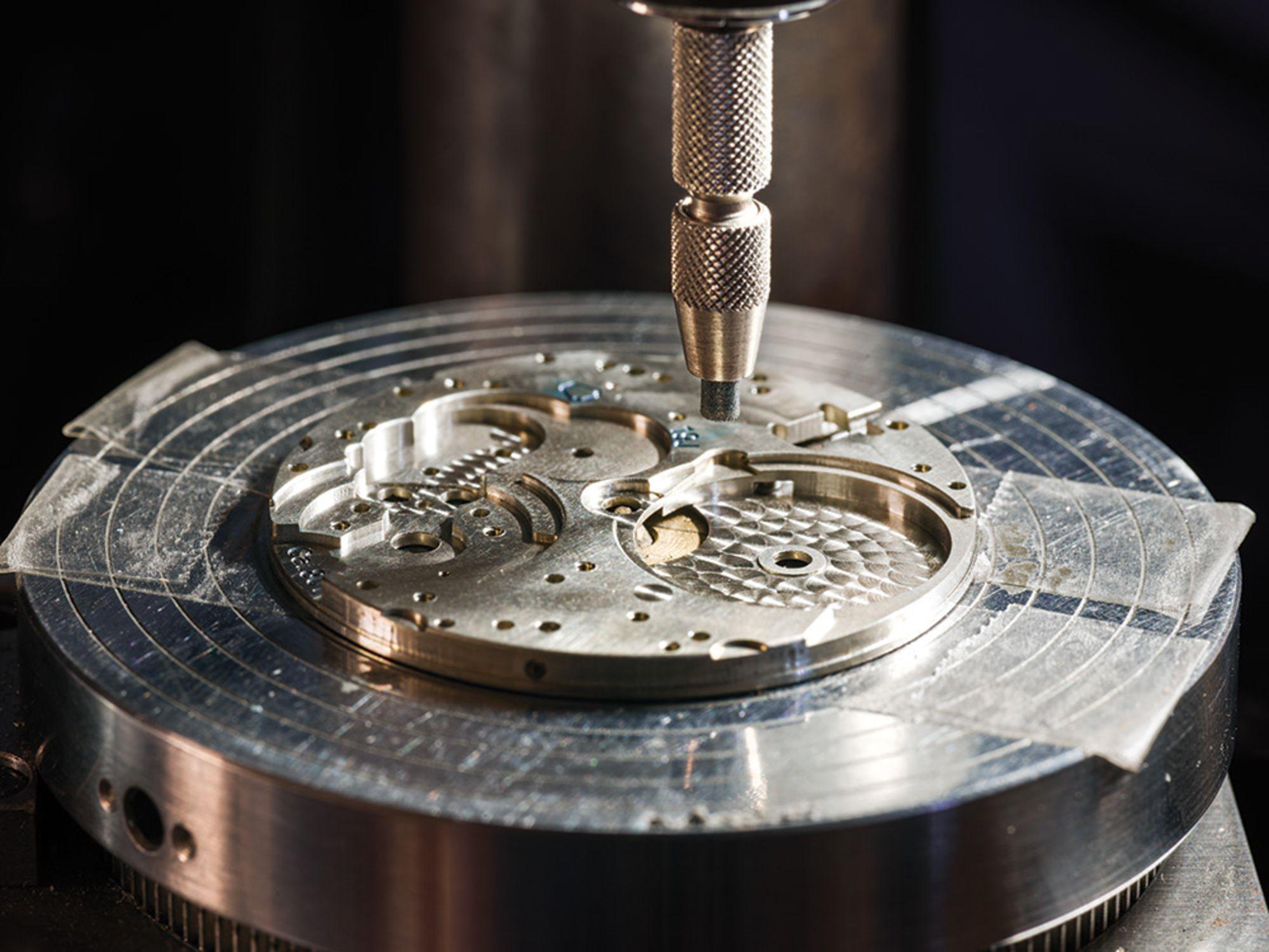 Cửa hiệu chế tạo đồng hồ cao cấp cuối cùng ở Mỹ: mỗi năm làm chưa đến 60 cái nhưng mỗi cái bán tới 2 tỉ đồng - Ảnh 3.