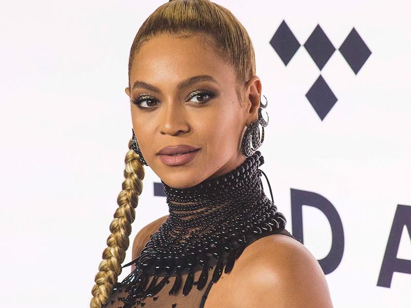 Từ No.35 vụt lên No.3 Hot 100, đây là hit giúp Bruno Mars san bằng kỷ lục với Mariah Carey và Beyoncé - Ảnh 3.