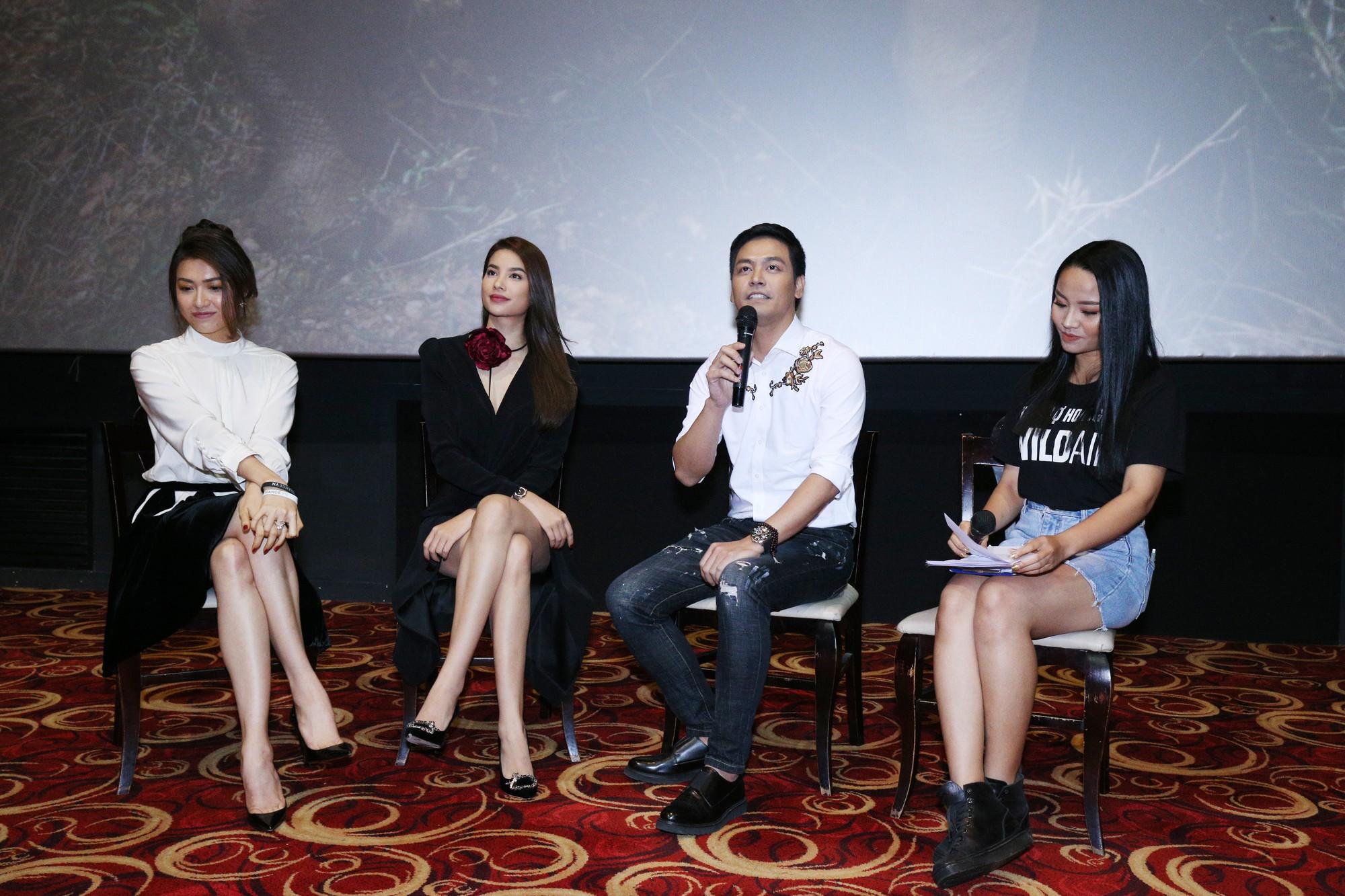 Phạm Hương rạng rỡ tại buổi ra mắt phim ngắn cổ động bảo vệ động vật hoang dã - Ảnh 2.