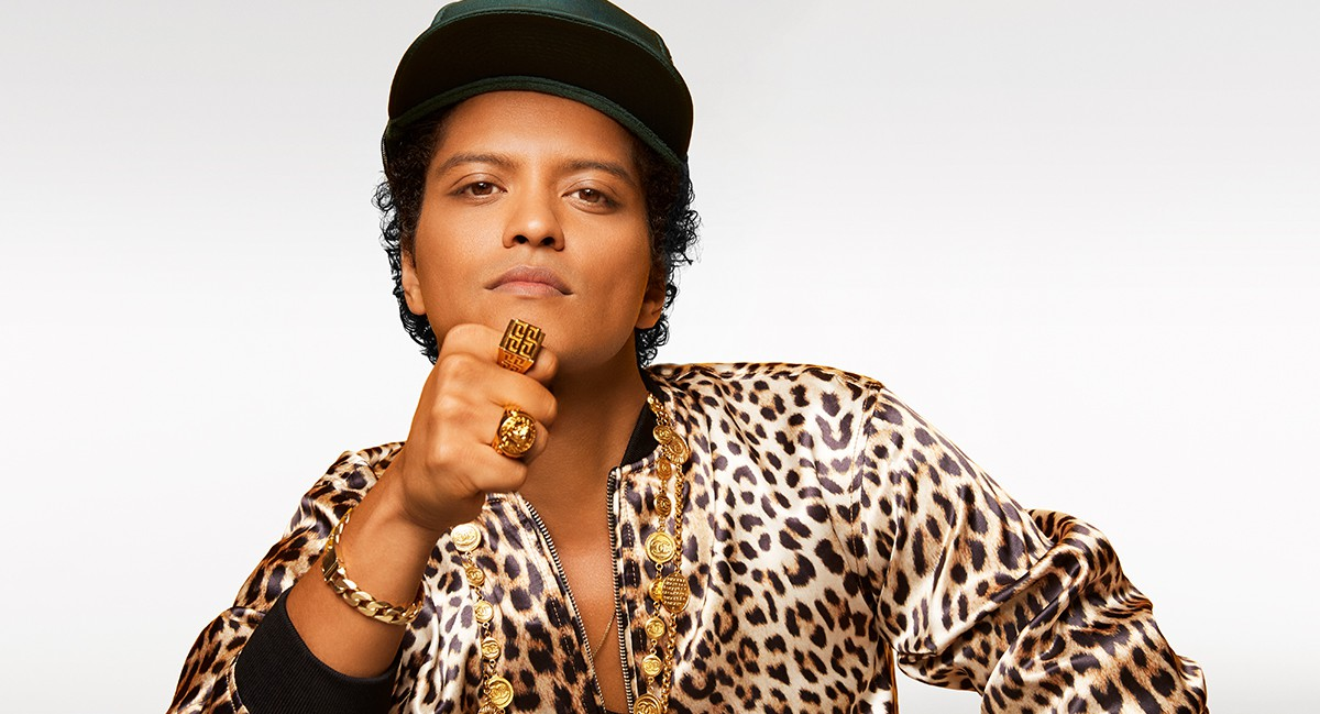 Từ No.35 vụt lên No.3 Hot 100, đây là hit giúp Bruno Mars san bằng kỷ lục với Mariah Carey và Beyoncé - Ảnh 4.