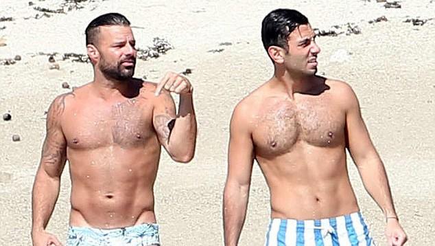 Ricky Martin xác nhận đã kết hôn với chàng họa sĩ điển trai kém 13 tuổi - Ảnh 1.