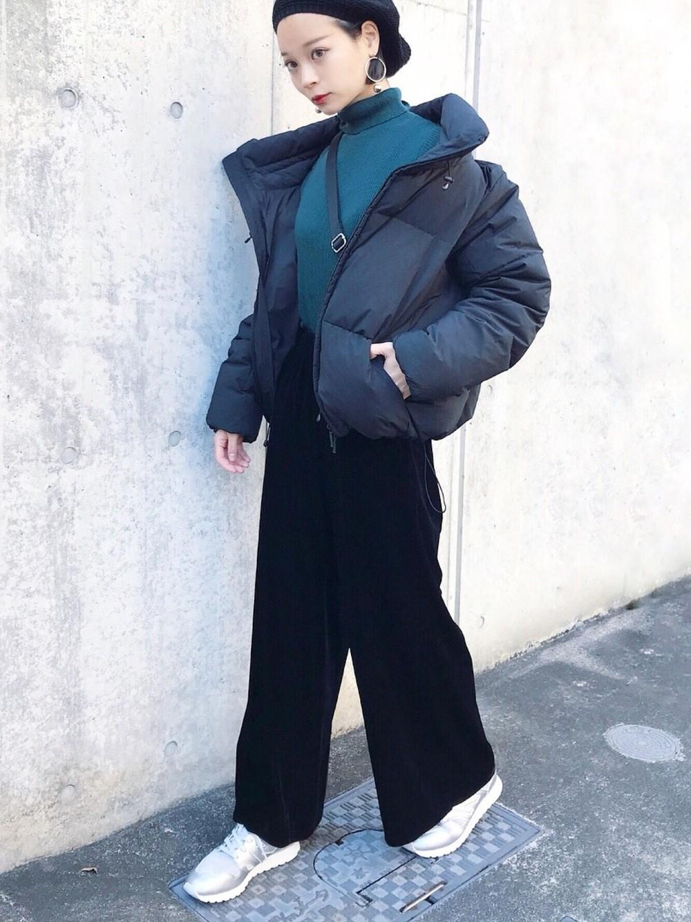 Người nhỏ mà muốn mặc đồ đen thì cứ học theo 4 cách mix này là đủ - Ảnh 1.