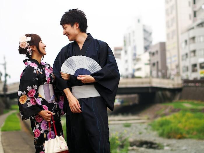 Nghịch lý ở Nhật Bản: Phụ nữ không mặn mà với hôn nhân, nam giới tha thiết có bạn gái - Ảnh 2.
