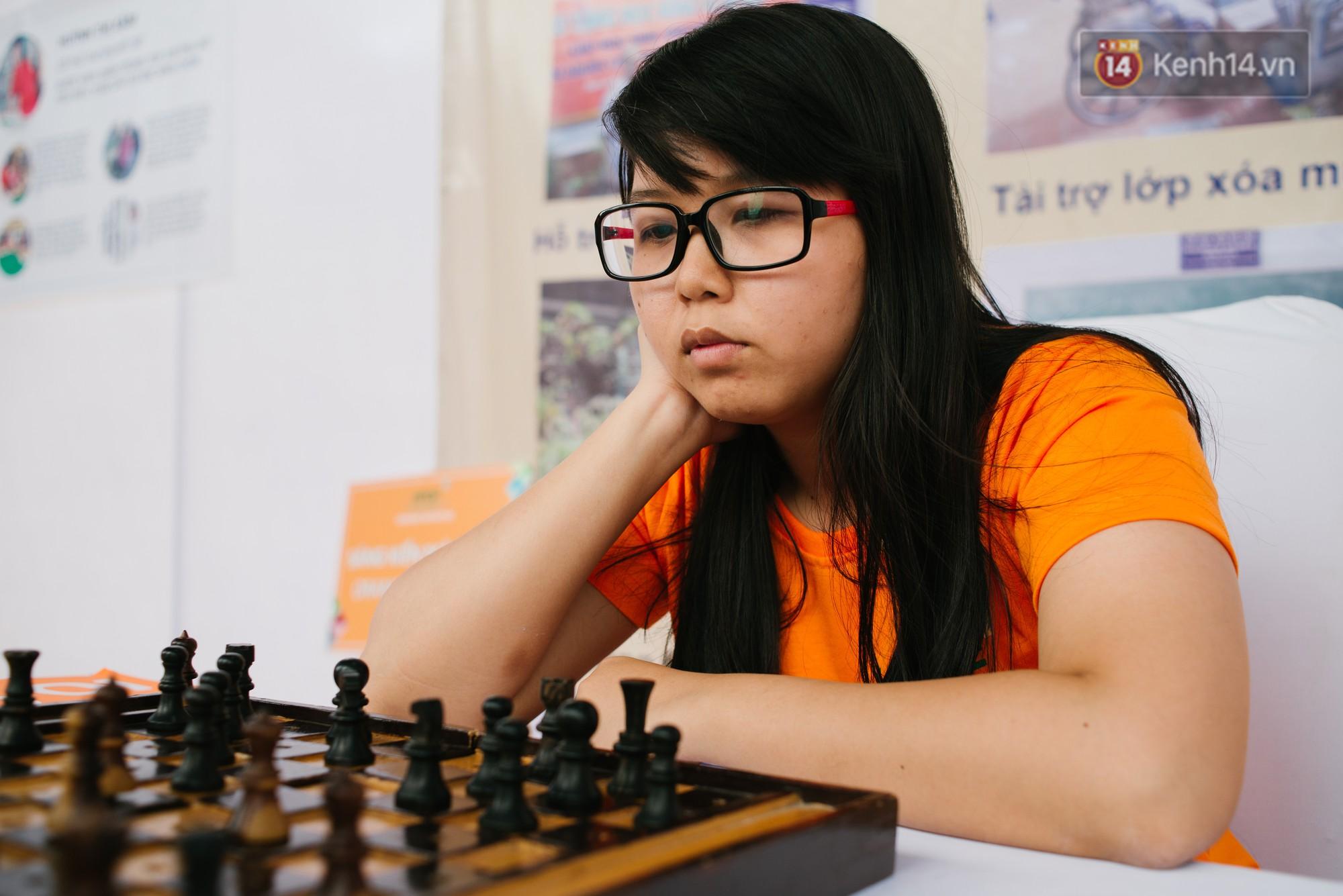 Hành trình chạm đến giải vô địch cờ vua Đông Nam Á của cô gái khiếm thị Sài Gòn - Ảnh 1.