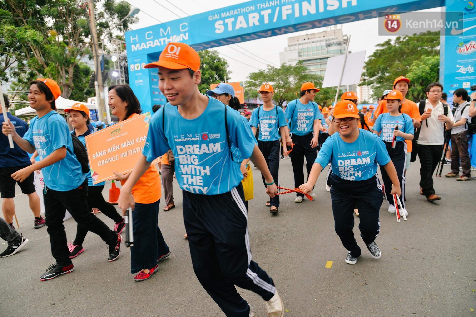 Đường đua 5km và câu chuyện vượt lên chính mình của những người khuyết tật ở Sài Gòn - Ảnh 4.