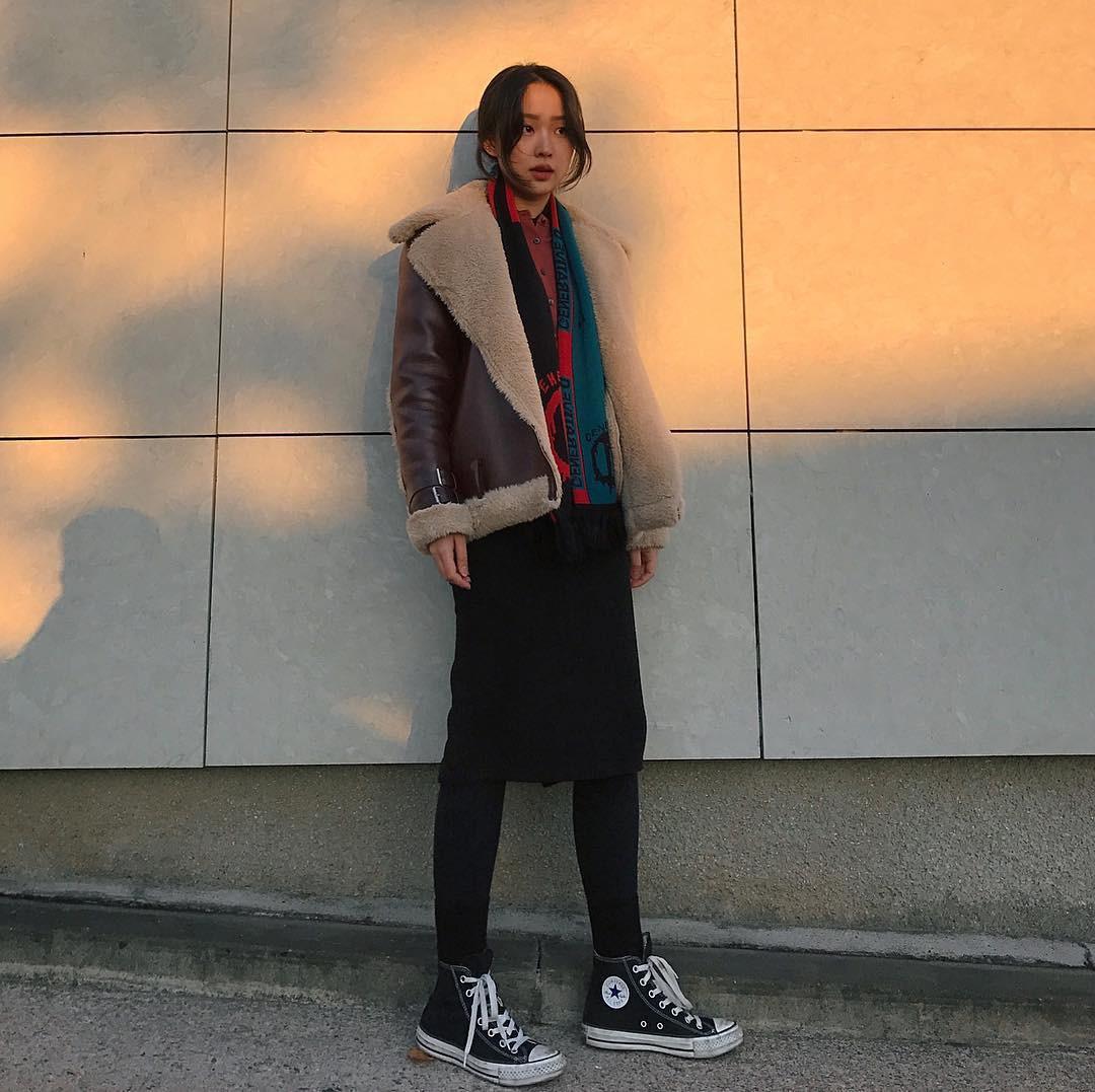 Thiếu gì thì thiếu, giới trẻ Hàn cũng không thể thiếu 4 mẫu sneakers này - Ảnh 9.