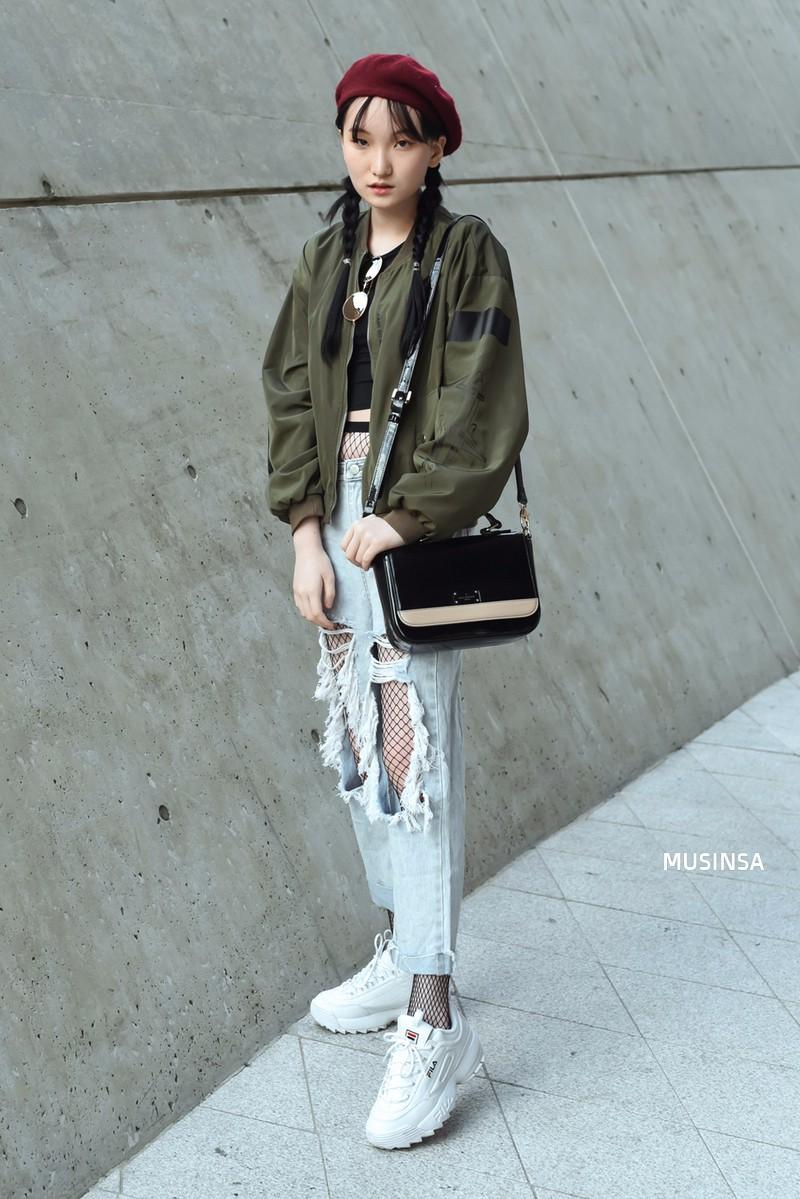 Thiếu gì thì thiếu, giới trẻ Hàn cũng không thể thiếu 4 mẫu sneakers này - Ảnh 16.