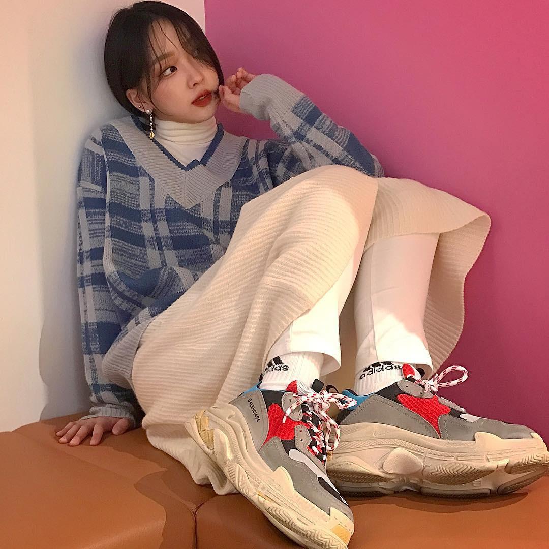 Thiếu gì thì thiếu, giới trẻ Hàn cũng không thể thiếu 4 mẫu sneakers này - Ảnh 5.
