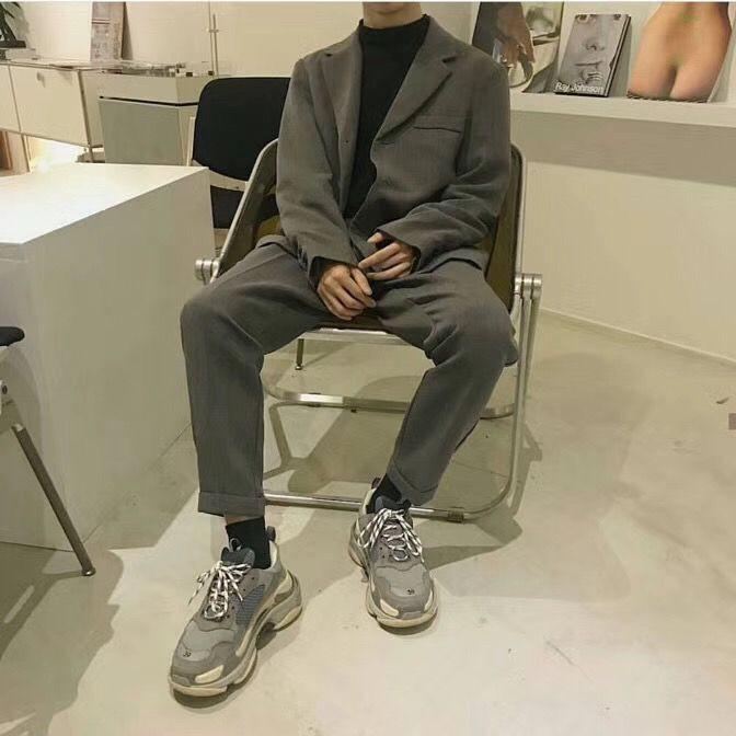 Thiếu gì thì thiếu, giới trẻ Hàn cũng không thể thiếu 4 mẫu sneakers này - Ảnh 6.