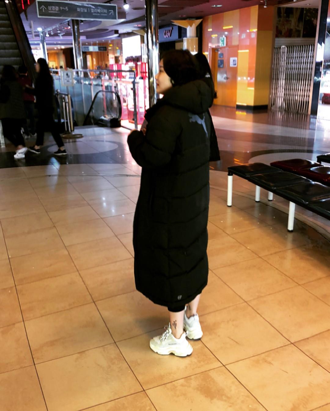 Thiếu gì thì thiếu, giới trẻ Hàn cũng không thể thiếu 4 mẫu sneakers này - Ảnh 7.