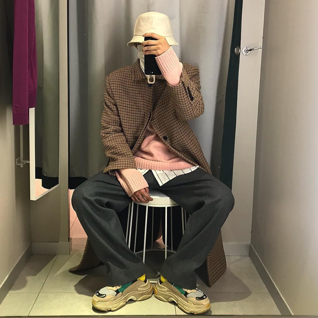 Thiếu gì thì thiếu, giới trẻ Hàn cũng không thể thiếu 4 mẫu sneakers này - Ảnh 8.