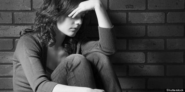 Con số đáng sợ: Tỷ lệ trầm cảm của con gái tuổi mới lớn cao GẤP 3 LẦN con trai - Ảnh 2.