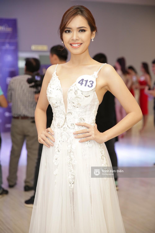42 thí sinh Hoa hậu Hoàn vũ VN xuất hiện rạng rỡ tại họp báo, BTC công bố vương miện dành riêng cho Á hậu - Ảnh 21.