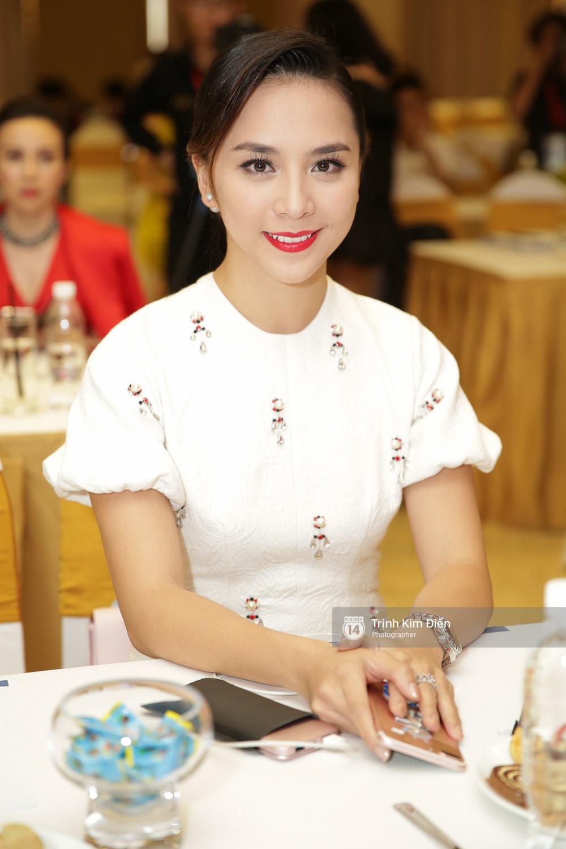 42 thí sinh Hoa hậu Hoàn vũ VN xuất hiện rạng rỡ tại họp báo, BTC công bố vương miện dành riêng cho Á hậu - Ảnh 2.
